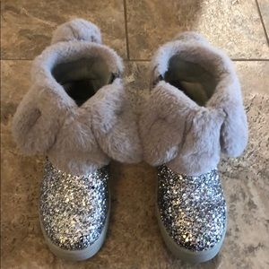 Cat & Jack, girl glitter silver boots, size 11